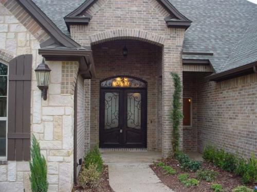 Avery Taylor Custom Homes (Front Doors) (3)