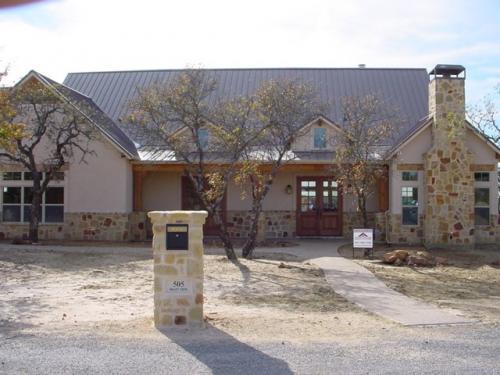 Avery Taylor Custom Homes - Exteriors (55)